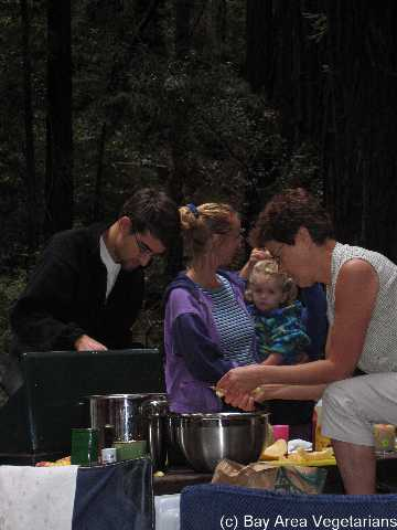 Camran, Caity, Gianna, Bea making good food