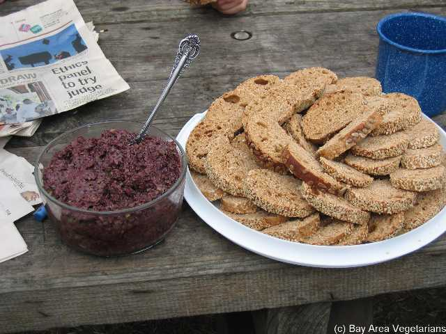 Olive Tapenade and Bread (appetizer for Sat. dinner)
